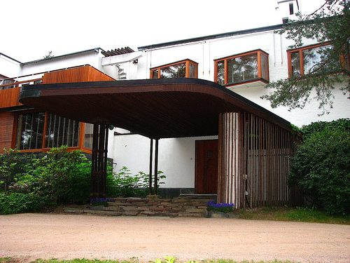 Alvar Aalto Villa Mairea on Traditional Japanese House Exterior