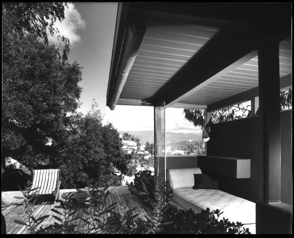 Richard neutra 39 s vdl house a mid century modern for Mid century modern architecture los angeles
