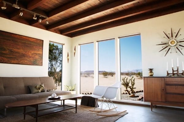 A mid century modern inspired desert retreat for Mid century modern furniture palm springs
