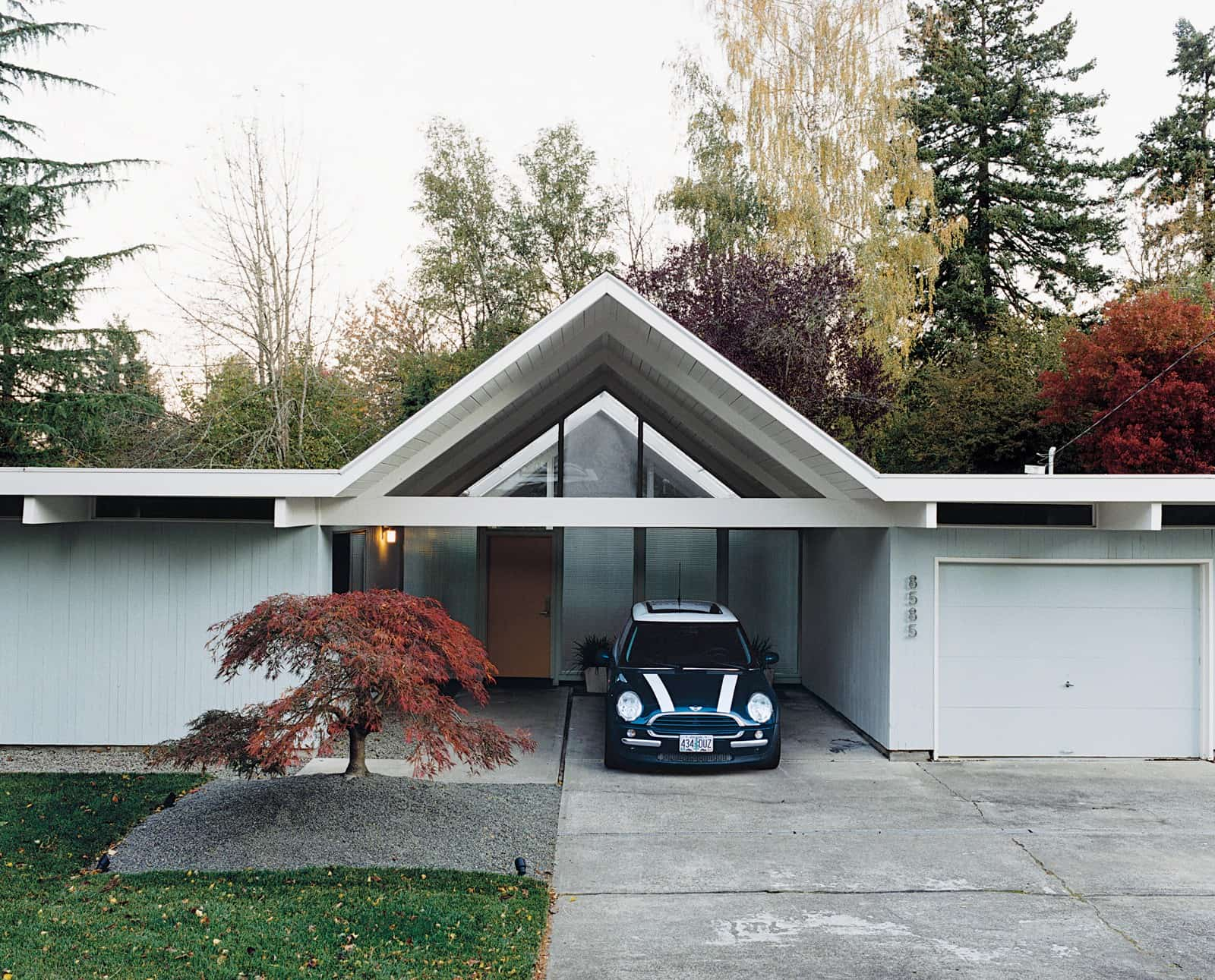 A mid century modern love story in portland mid century home Modern house portland