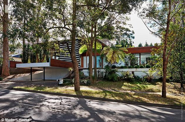 australian modernism Gerry Rippon tree house - Wahroonga - exterior