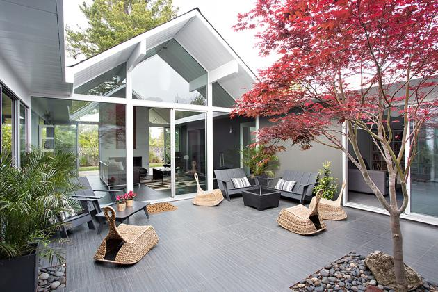 Eichler home remodel - Double Gable - klopf architecture - patio
