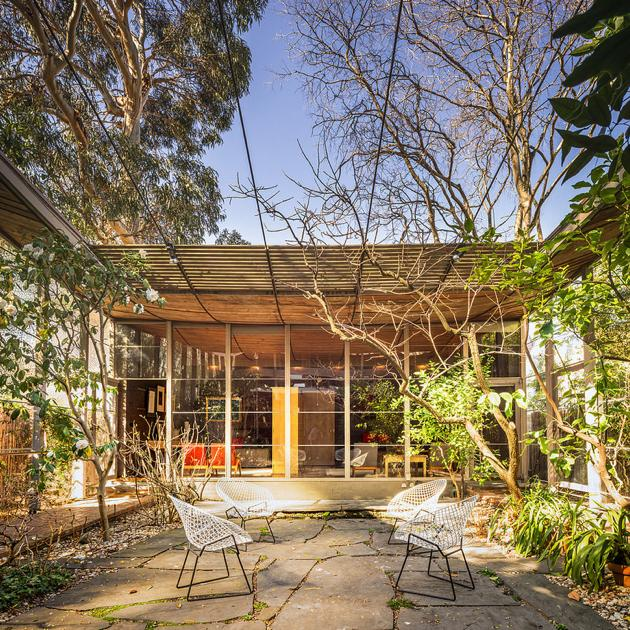 Contemporary Australian Home Architecture On Yarra River: Modernism In Australia, The Robin Boyd Walsh Street House