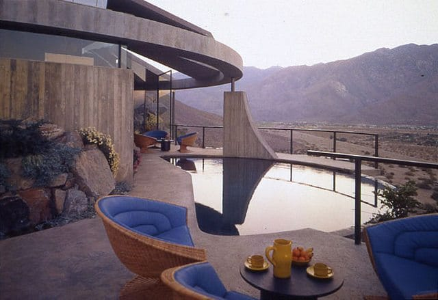 John Lautner S Elrod House Nature And Architecture Become One