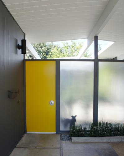 eichler home- karolina Buchner - entrance