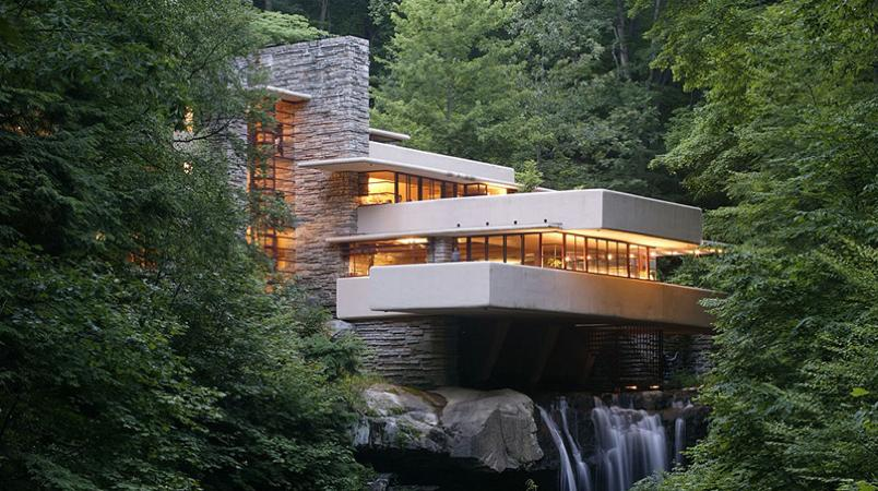 Frank lloyd wright 39 s masterpiece fallingwater for House built on waterfall