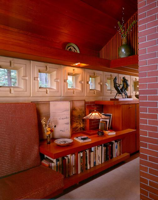frank lloyd wright - zimmerman house - corridor