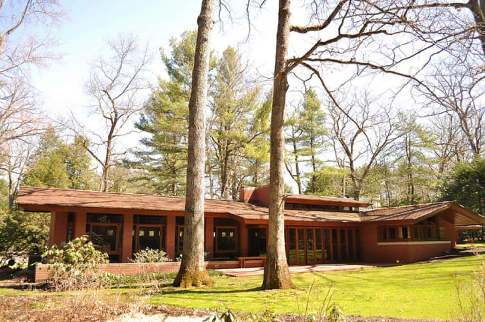A frank lloyd wright usonian home the zimmerman house for Frank lloyd wright houses