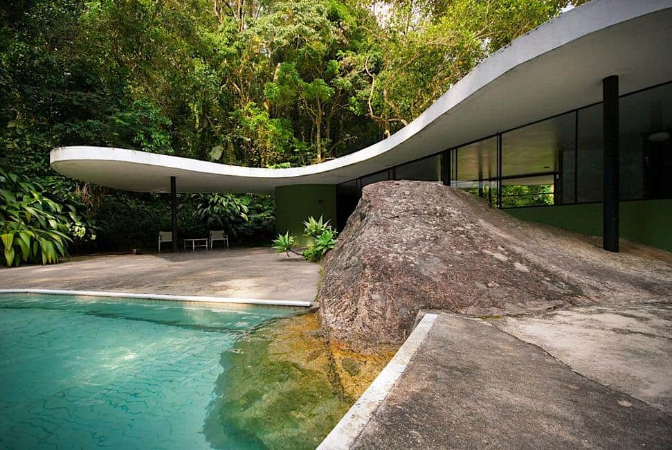 the oscar niemeyer das canoas house is a perfect example