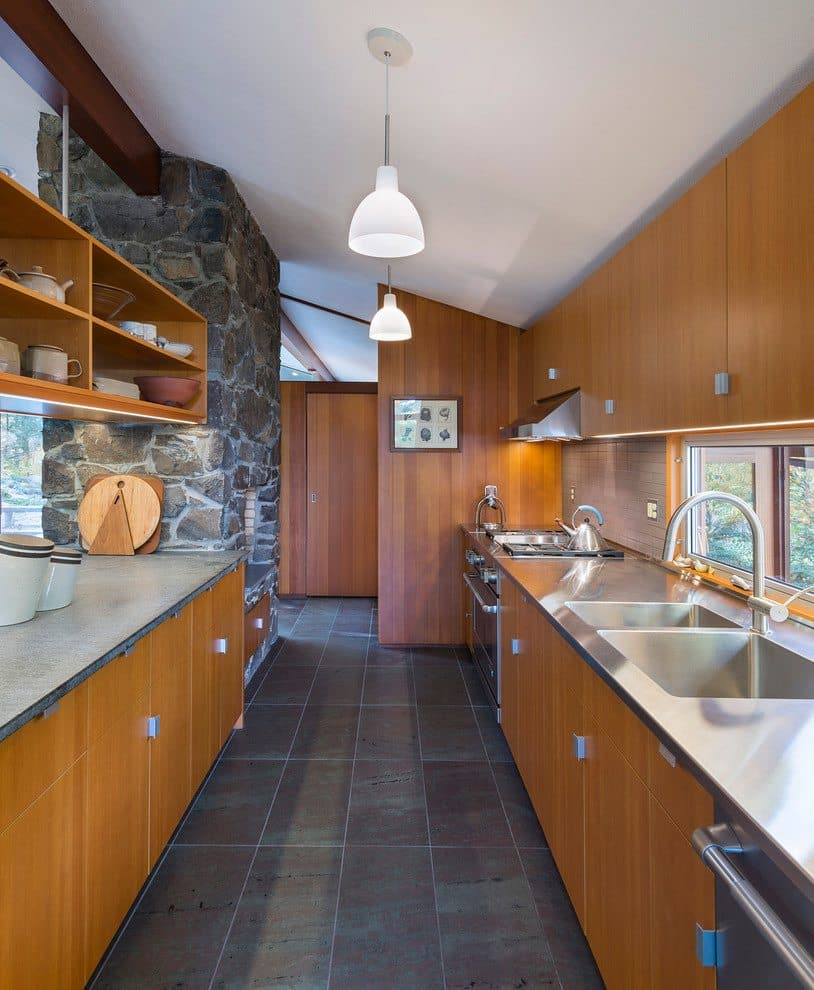 Mid Century house - architect Henry Hoover Massuchesetts - kitchen