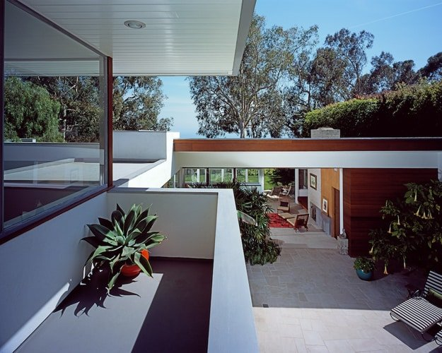 Richard Neutra Freedman Residence First Floor Terrace Corner