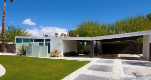racquet club estates - palm springs - william krisel house exterior - darren bradley