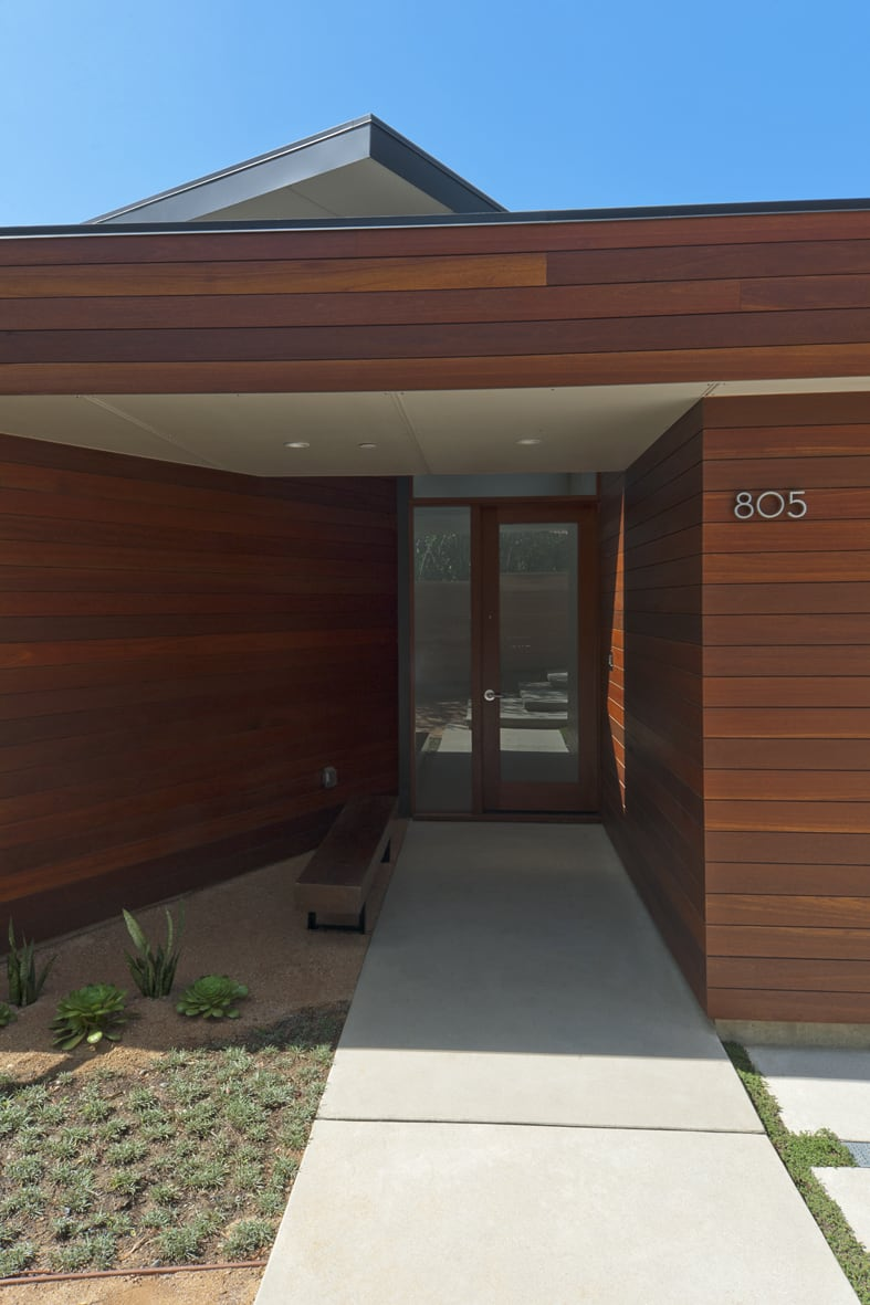 Crestwood Hills - Nonzero architects - Broom Way Residence exterior entrance