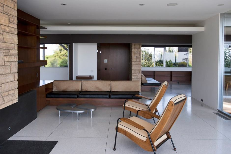 Richard Neutra Singleton Residence living room