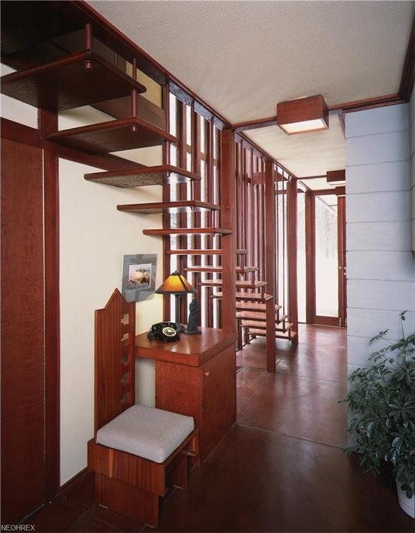 frank lloyd wright - penfield house - STAIRCASE
