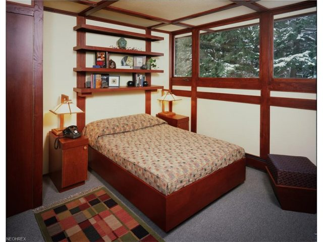 frank lloyd wright - penfield house - bedroom