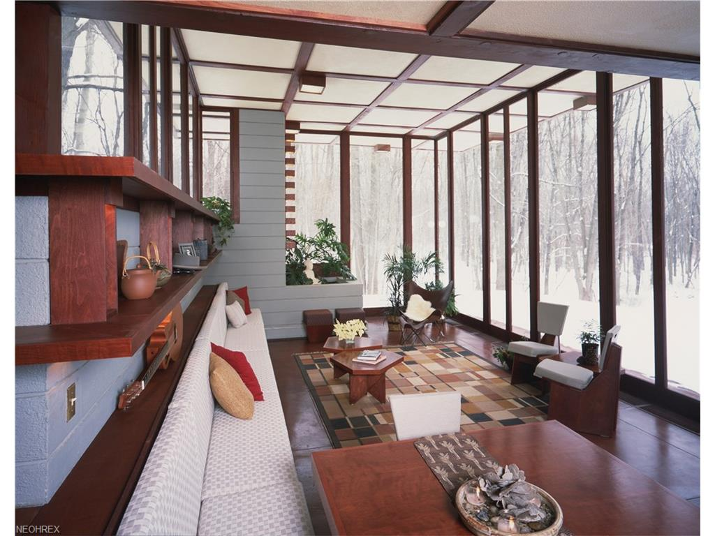 frank lloyd wright - penfield house - living room