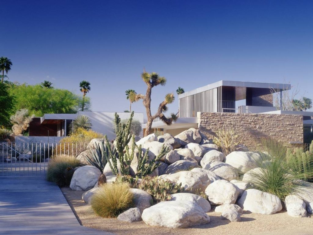richard neutra kaufmann-house exterior