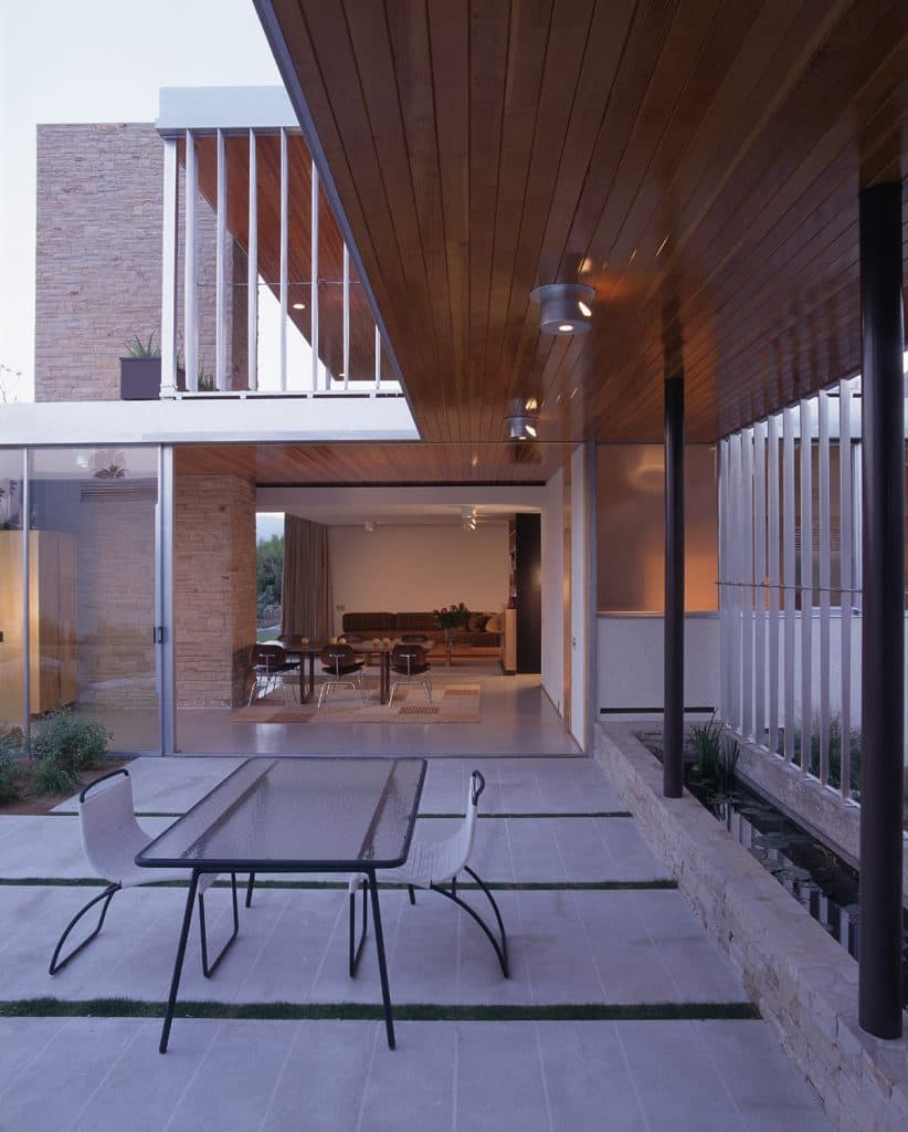 richard neutra kaufmann-house patio