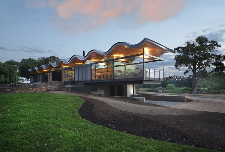 seeley architects - lauriston australian modern house - exterior living room view