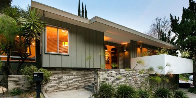 Mid Century house in Beachwood Canyon