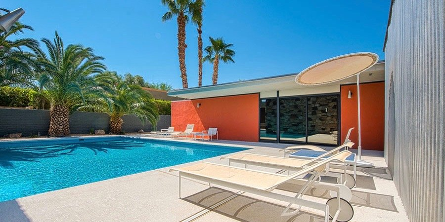 Mid-century house in Rancho Mirage by E. Stewart Williams pool