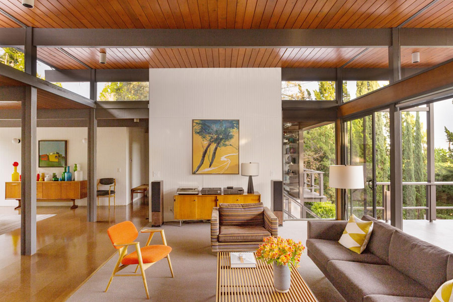 mid-century house by Thomas A. Dismukes in Pasadena living room
