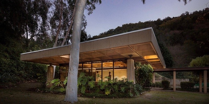 modernist building - Industrial Indemnity - Mission Valley, San Diego