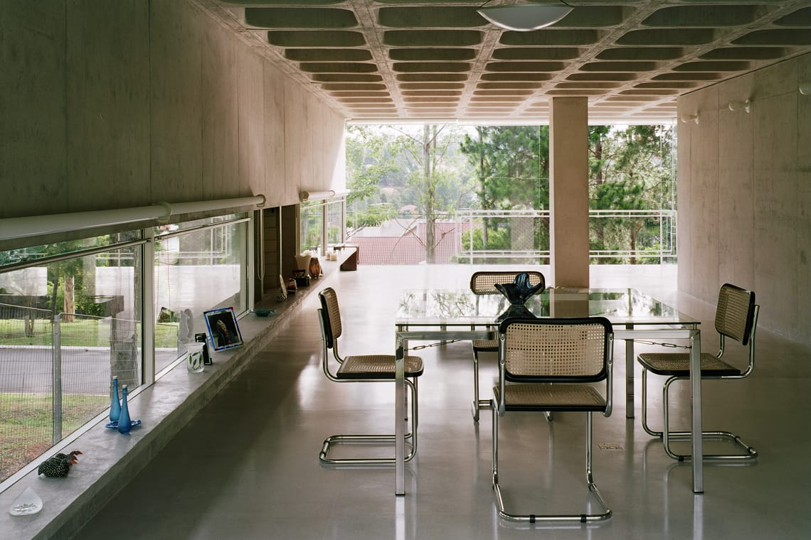 modernist house in portugal - Casa em Aldeia da Serra - living room