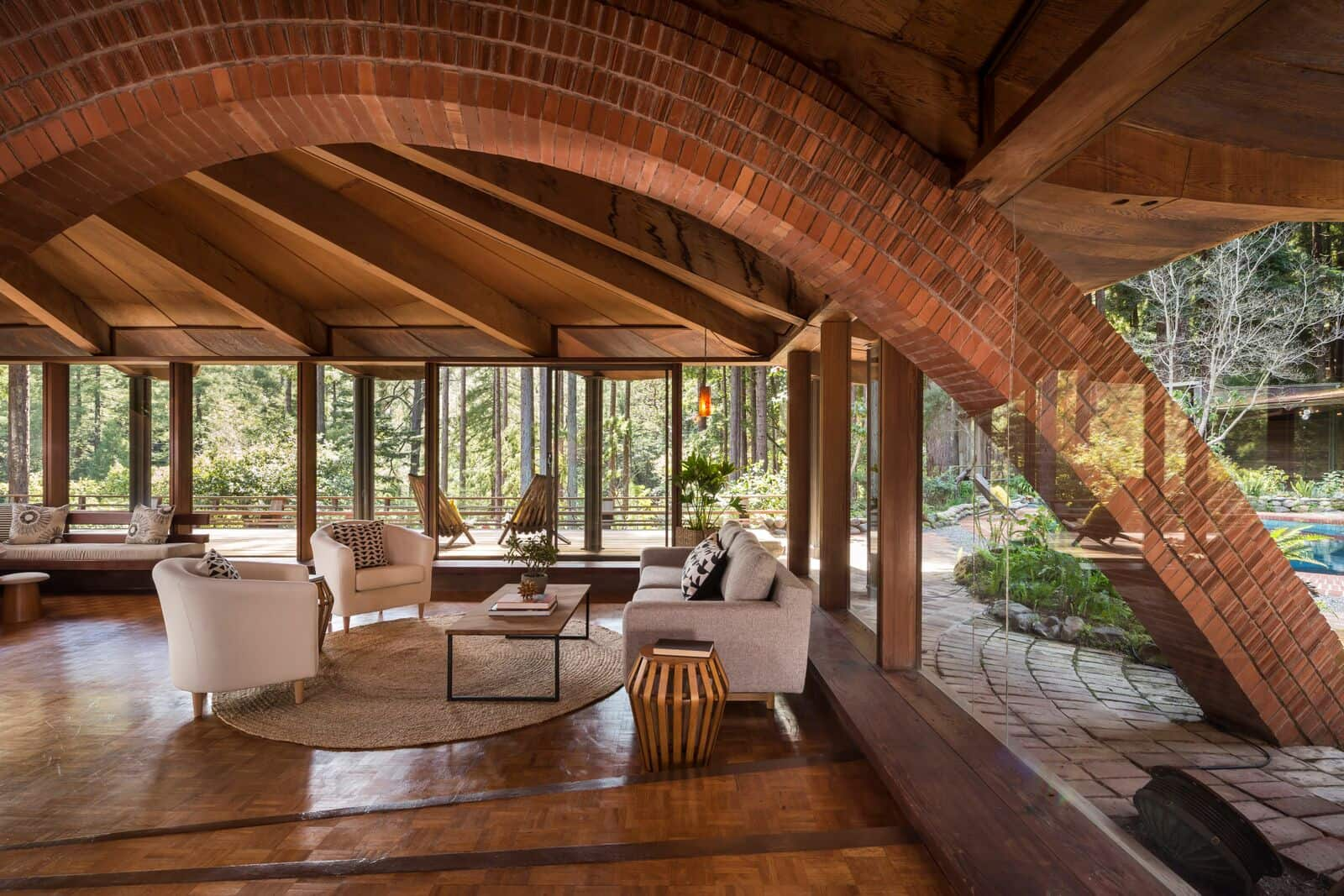 liebermann 39 s mill valley house has a strong frank lloyd wright influence mid century home. Black Bedroom Furniture Sets. Home Design Ideas
