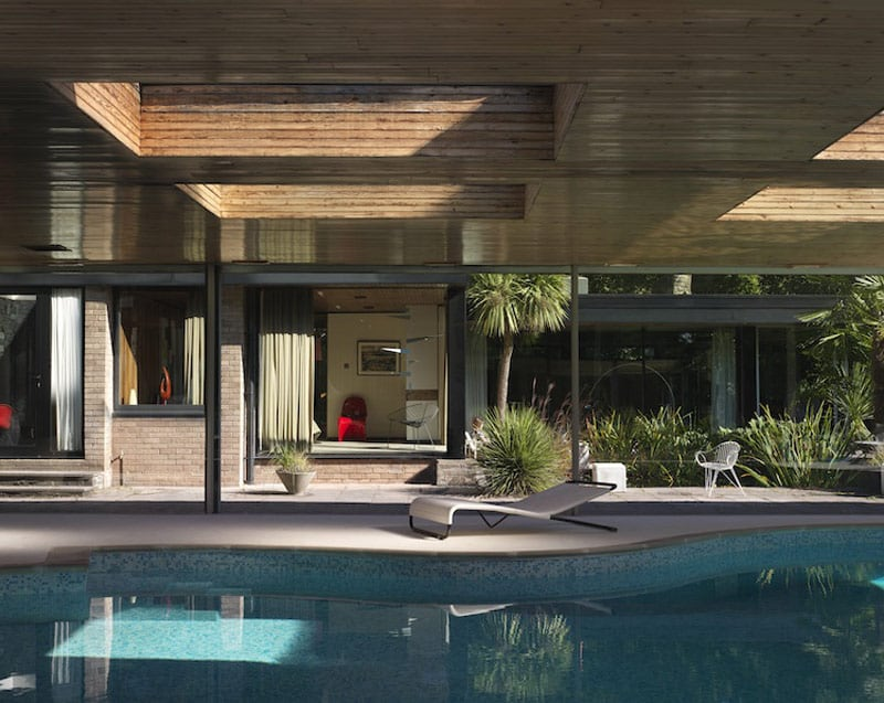 mid-century house David Shelley - pool