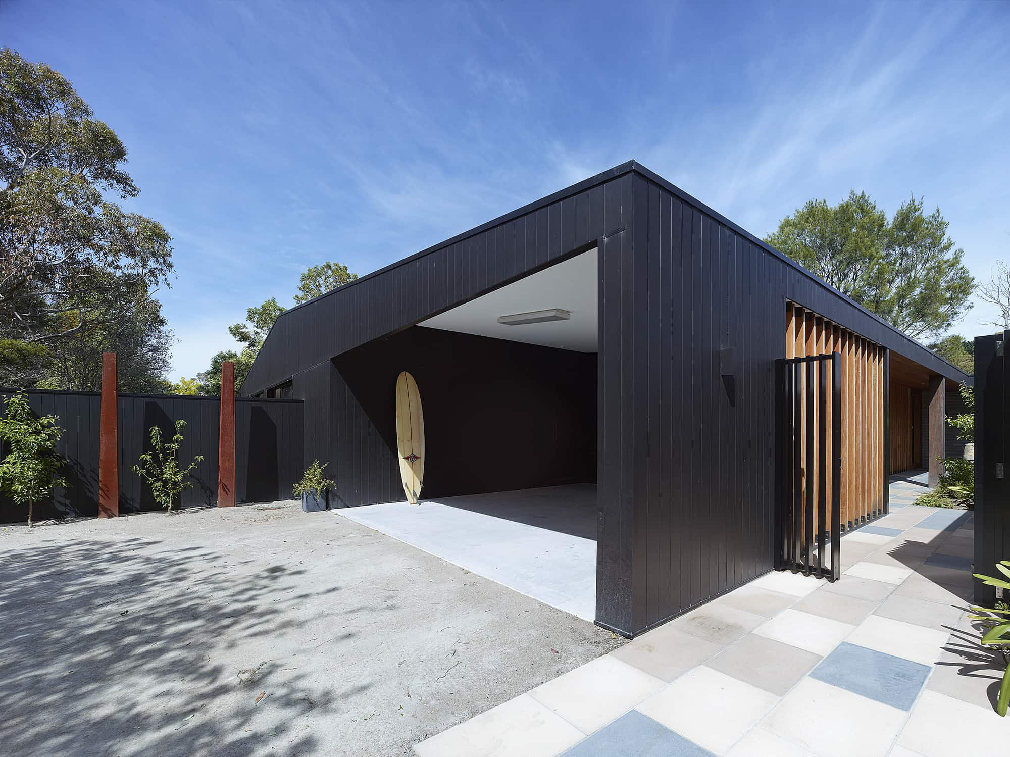 modern house - Hover House - Bower Architecture - outside