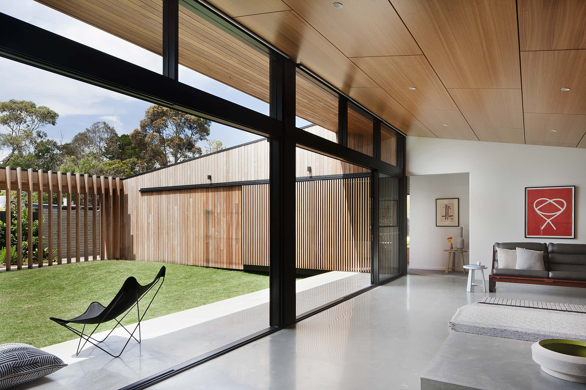 modern house - Hover House - Bower Architecture living room