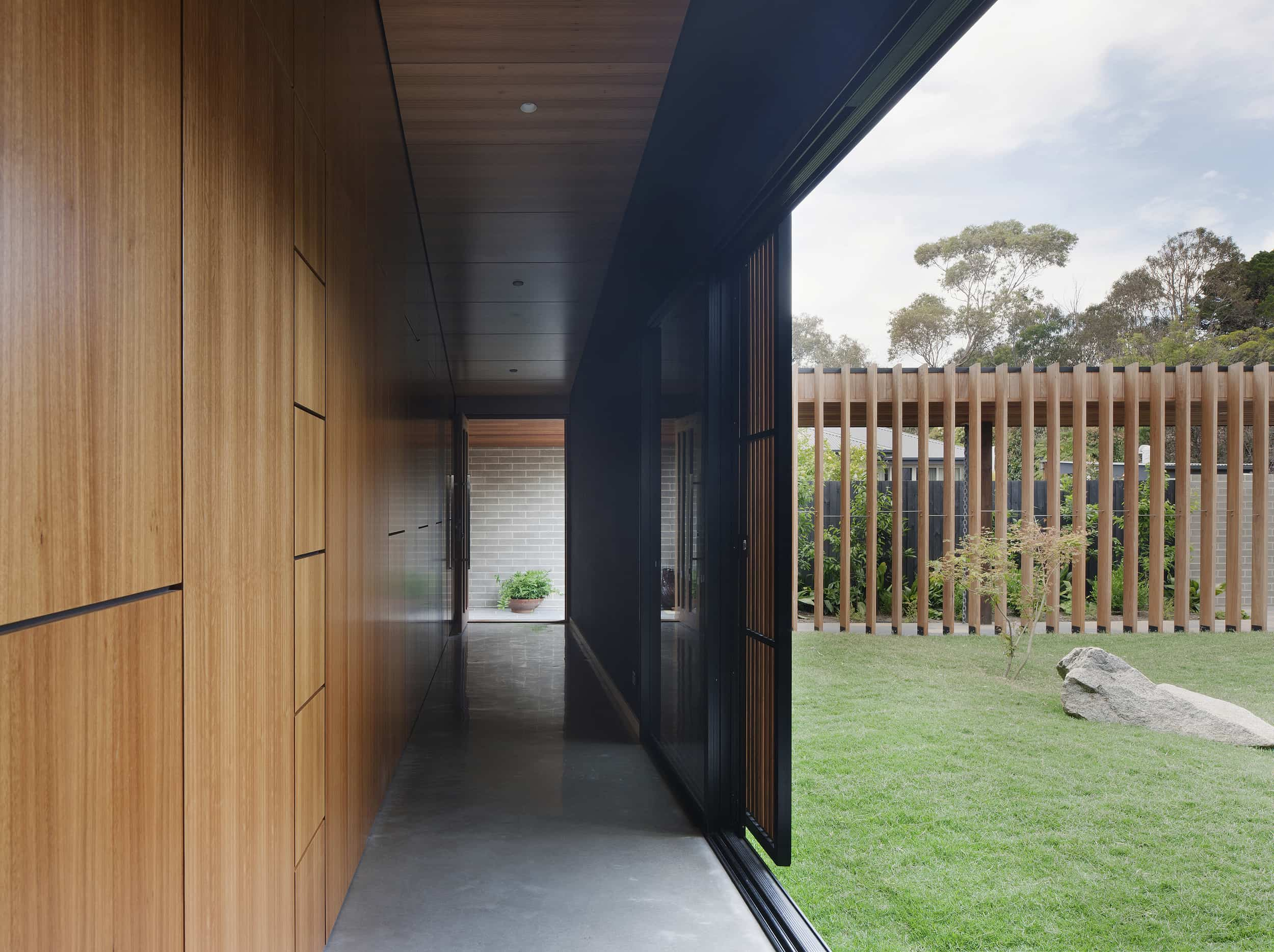 modern house - Hover House - Bower Architecture corridor