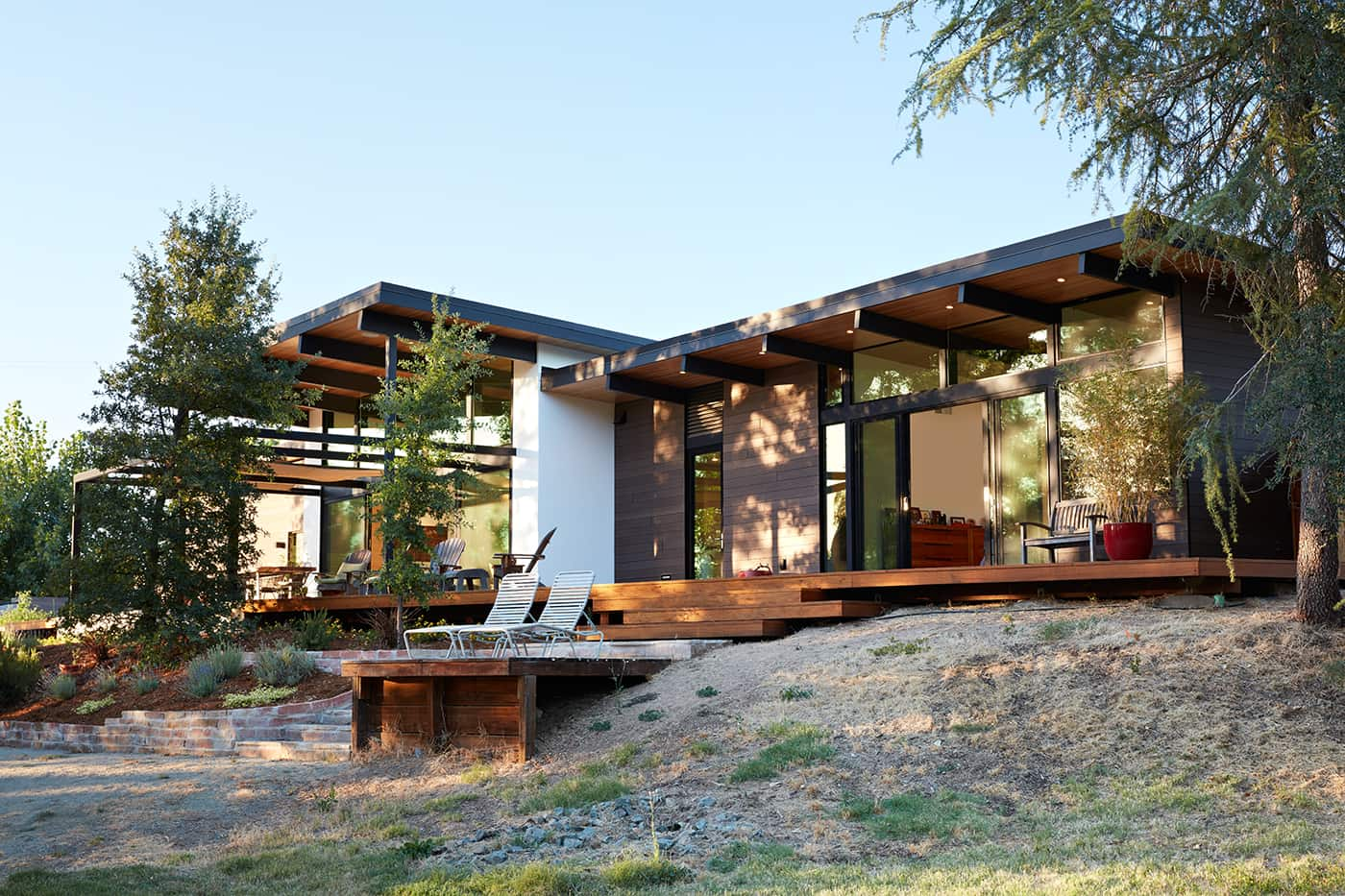 mid-century house renovation by Klopf architects in Sacramento - exterior