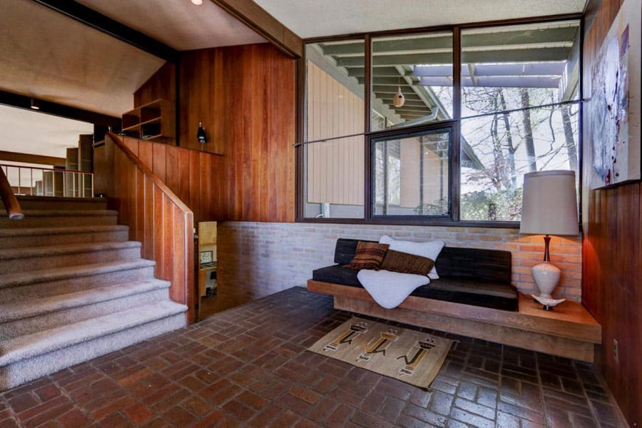 Mid Century house in Knoxville - entrance
