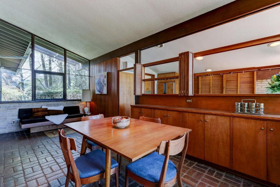 Mid Century house in Knoxville - kitchen