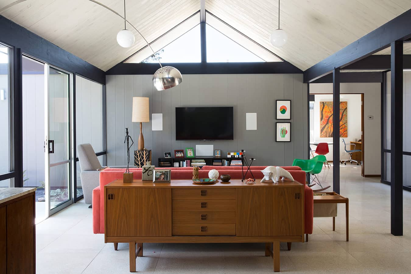 Renewed Classic Eichler by Klopf Architecture - living room