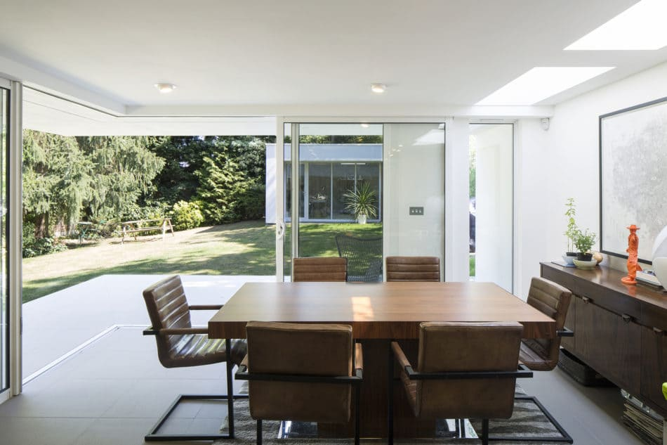 mid-century in Ducketts Mead _ Clear Architects - dining area