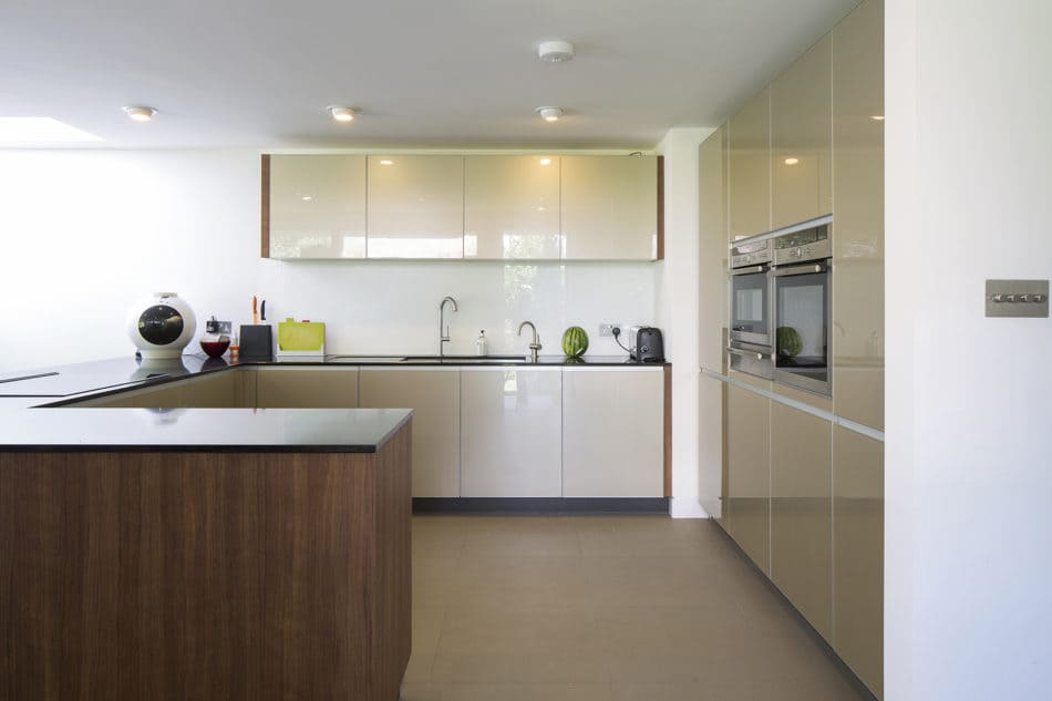 mid-century in Ducketts Mead _ Clear Architects - kitchen