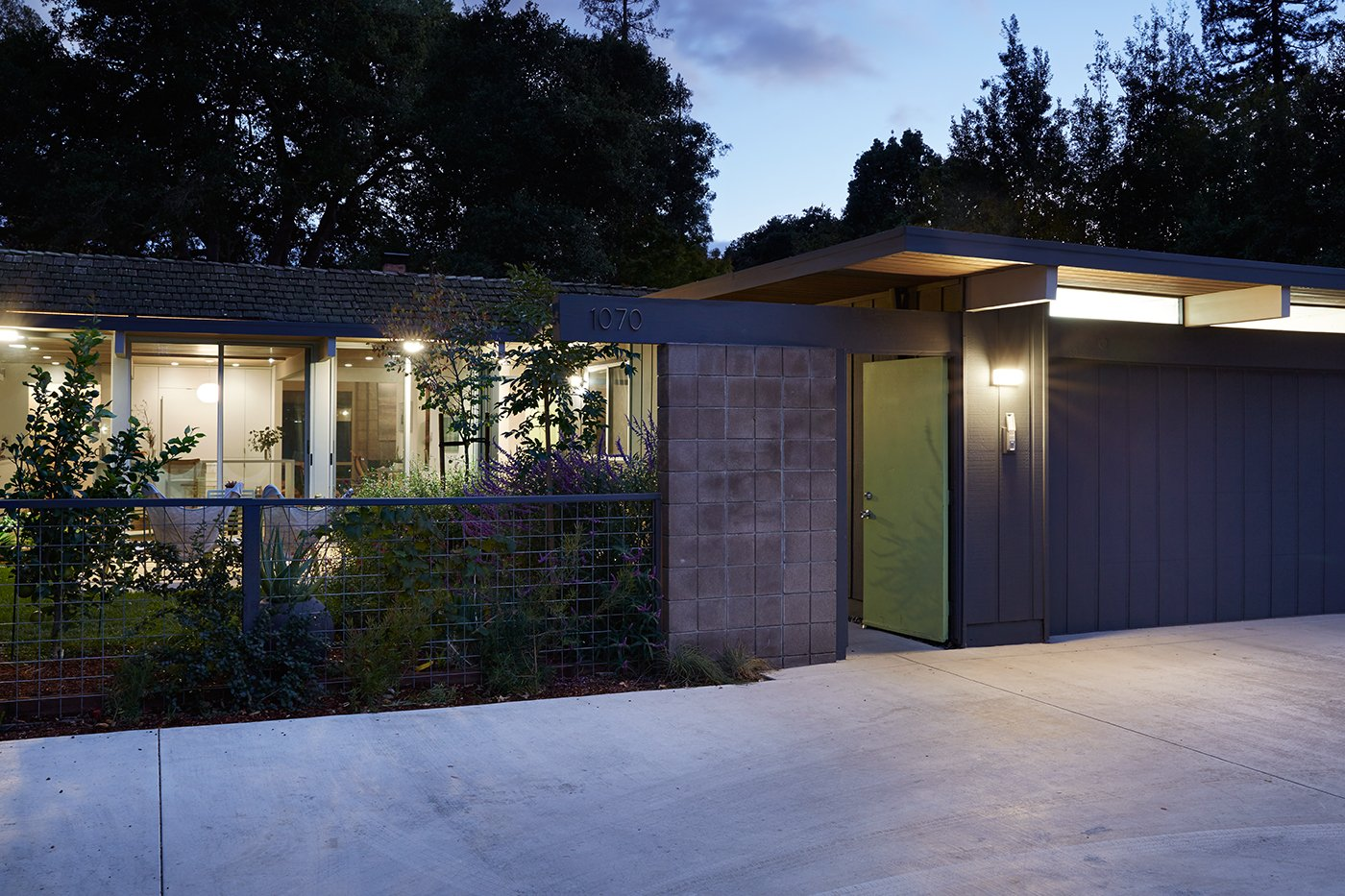 Eichler home - Reenwood House - front
