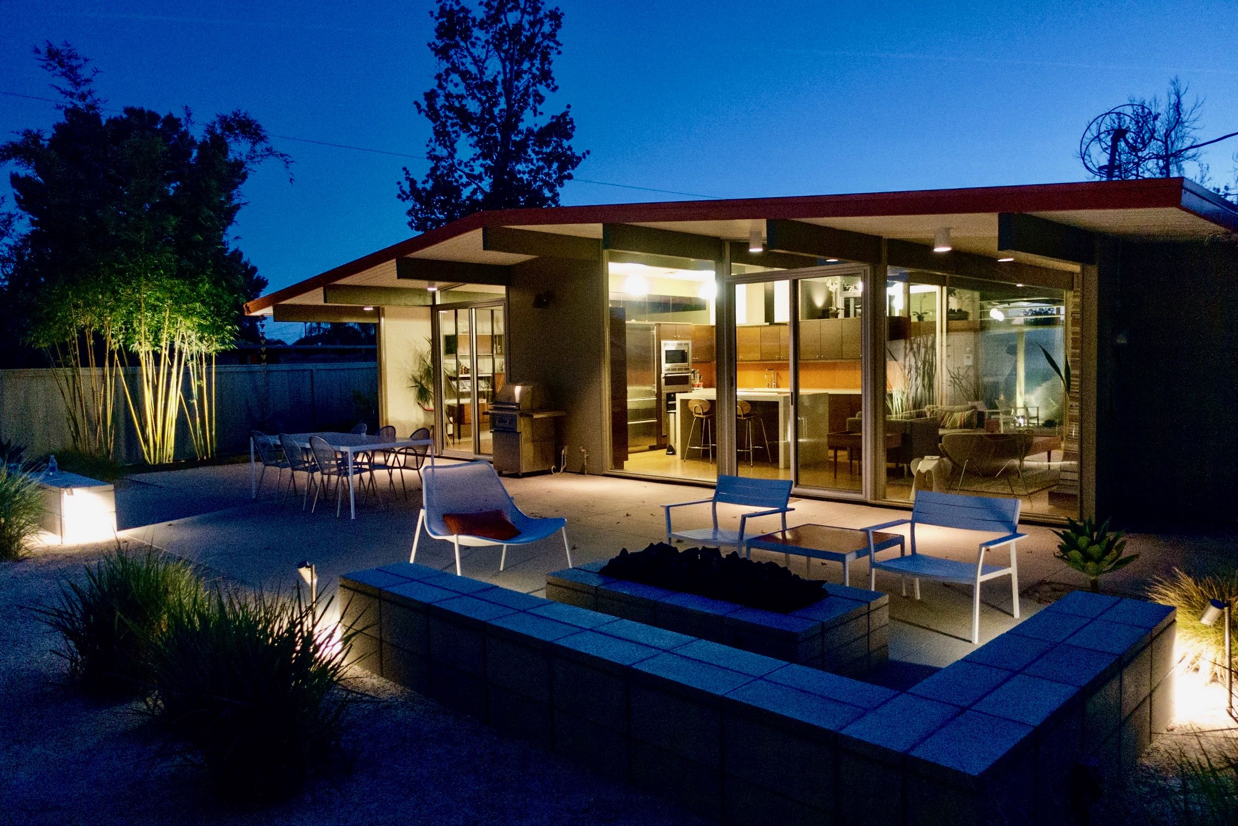 Hanh Bannister - Eichler Home renovation - back