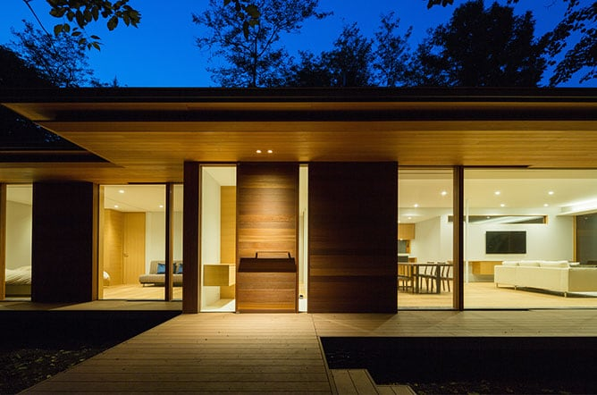 japanese modernist house - Kidosaki Architects - Yokouchi Residence - exterior night