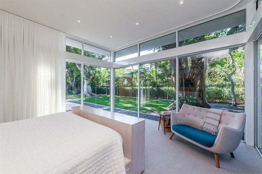 mid-century sarasota style house - Seibert Architects - bedroom