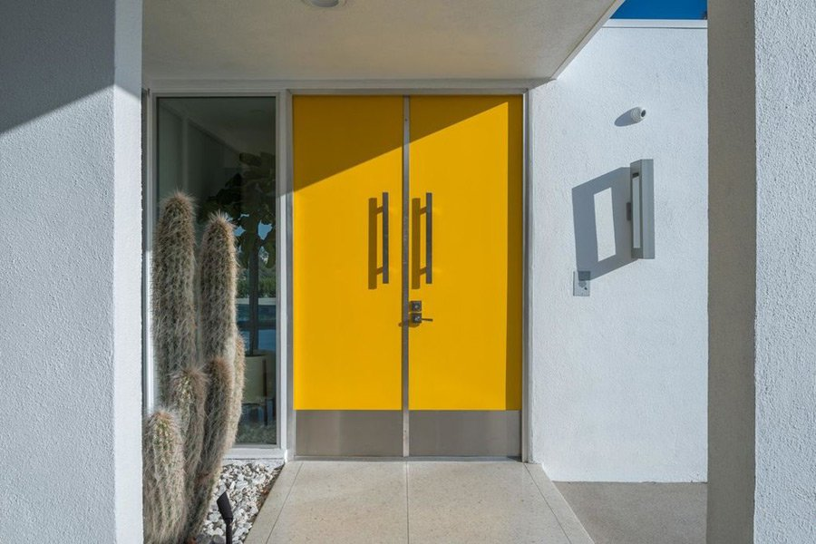 Mid-century Bel Air by Robert L Earll - entrance