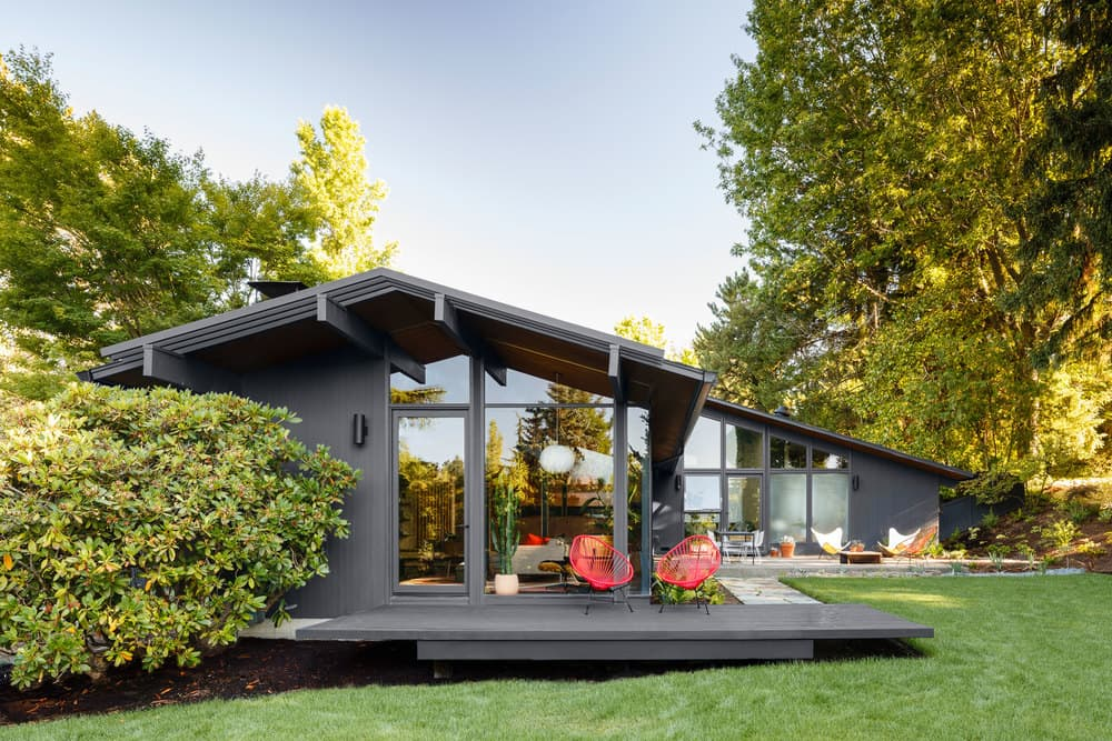 This mid century house designed by saul zaik gets a for Remodeling a mid century modern home