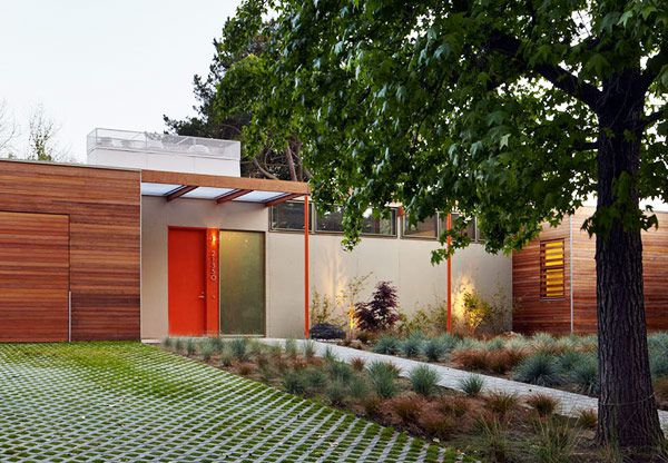 case study house inspired modern house - LMSA architects - front