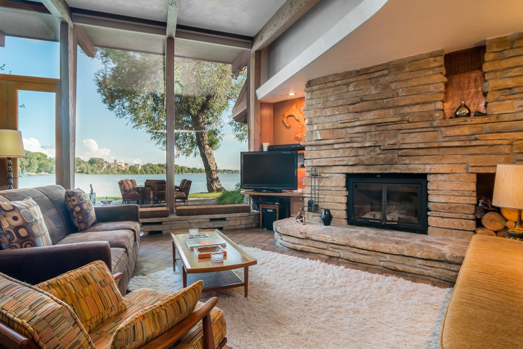 mid-century lake-house---Russell-Barr-Williamson - living