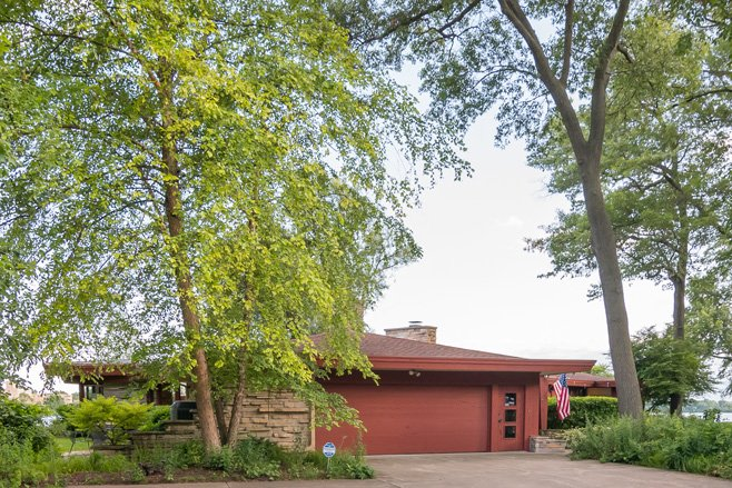 mid-century lake-house---Russell-Barr-Williamson - carport