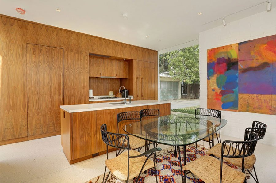 Mid Century Style home by Struere - dining area